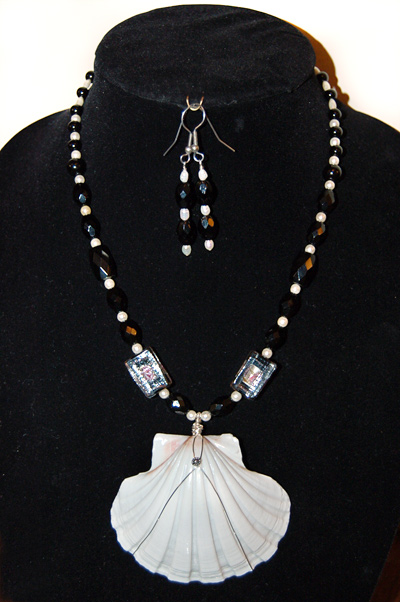 Shell Pendant with Black/White/Glass Beads